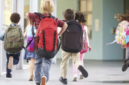 Pre e post-scuola ancora sospesi e mangiare in mensa costa di più