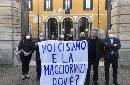 Due poltrone a Fratelli D'Italia al posto dei civici. Il sindaco Rocchi si salva