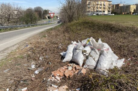 Segnalazioni e proteste per i rifiuti abbandonati ma l'inciviltà resta impunita