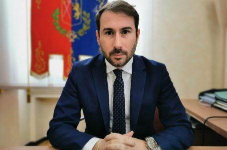 "I troppi ""però"" di Ghilardi sul Green Pass. Sindaco sulla scia di Salvini e Meloni"